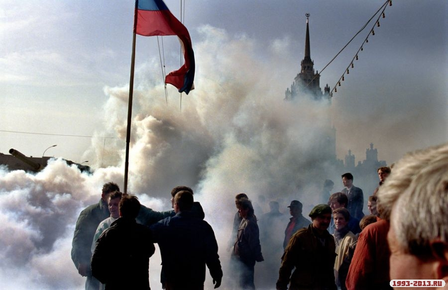 October, 1993, Moscow, Russia Protesters watch as Russian tanks head toward the White House during the 1993 stand-off between President Yeltsin and the Russian parliament.